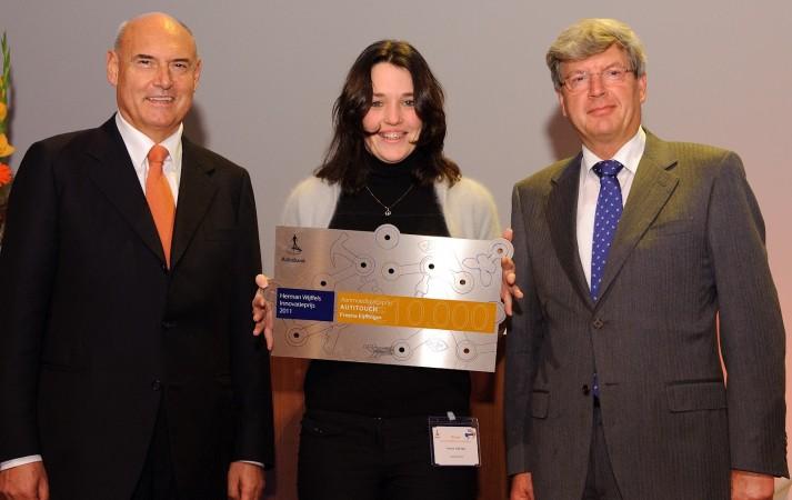 Freena winning an innovation prize