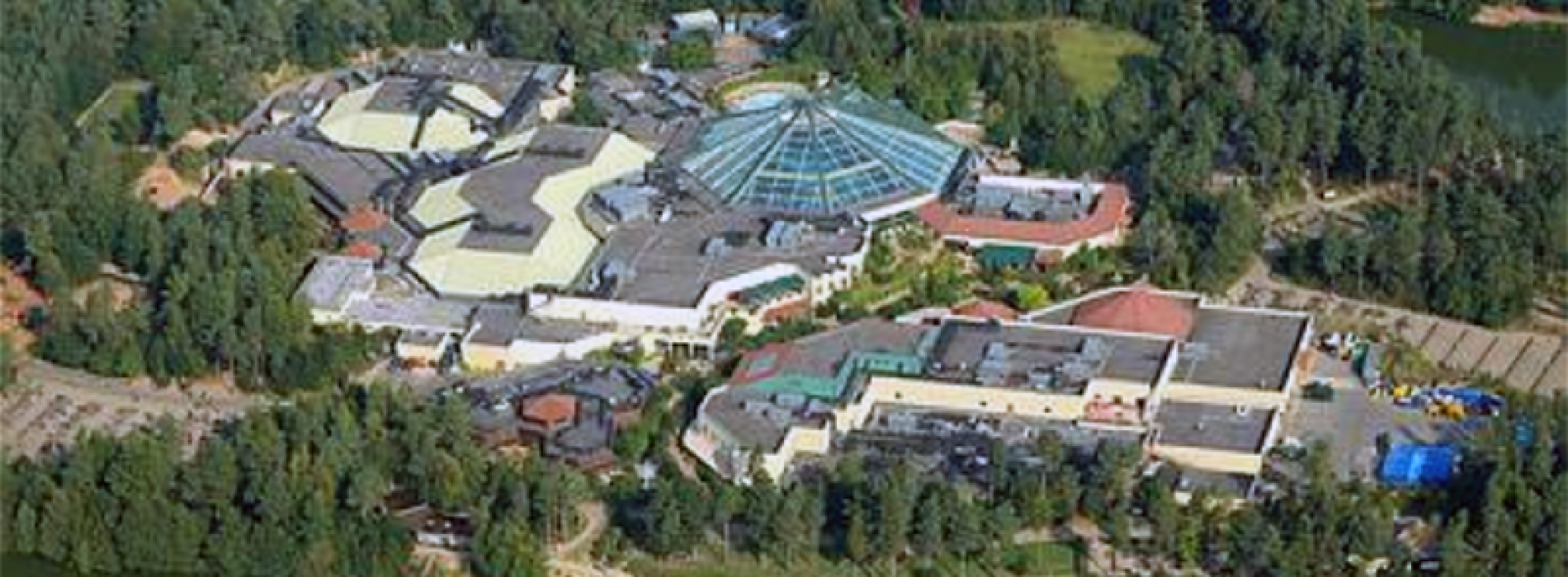A Facebook post is spreading across the social networking site claiming to offer free holidays for 4 people at Center Parcs. The post claims to come from Mark Sutton, which the post claims in the CEO of Center Parcs.