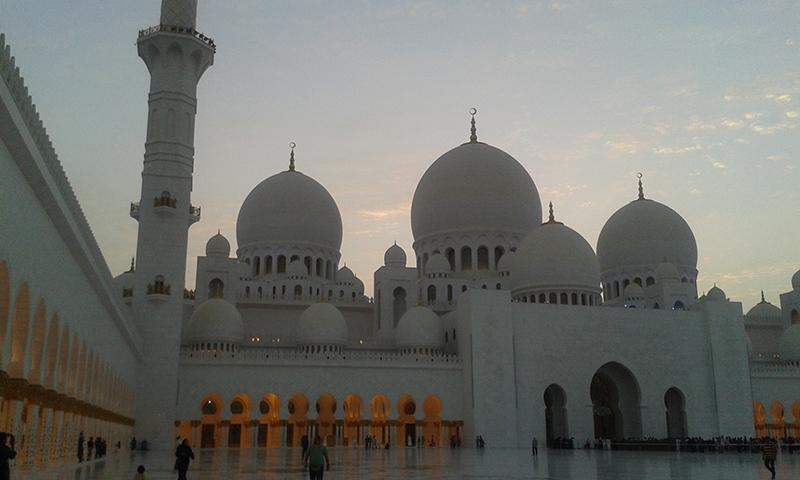 Dubai - Sheikh Zayed Grand Mosque