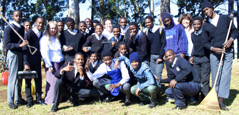 Laura Dendy, Suzi Cathro, Jean Cathro with the learners from Nombika H.S.