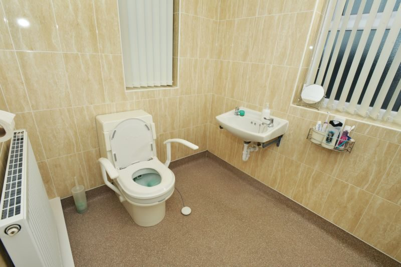 Accessible bathroom from Clos-O-Mat
