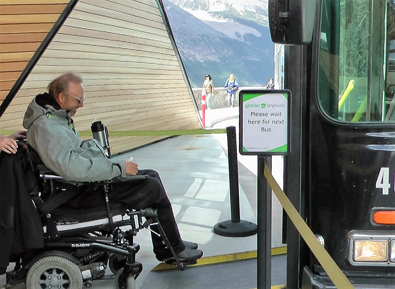 Jasper Skywalk - Kerry entering bus