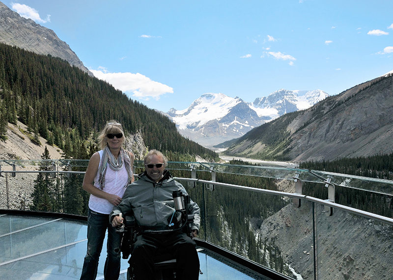 Jasper Skywalk - Kerry and his wife on the Skywalk