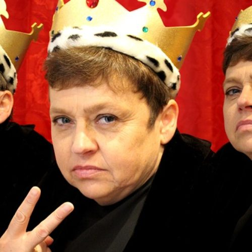 A funny one-woman show about disabled king Richard III