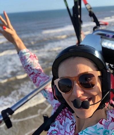 Samanta Bullock in a paraglider
