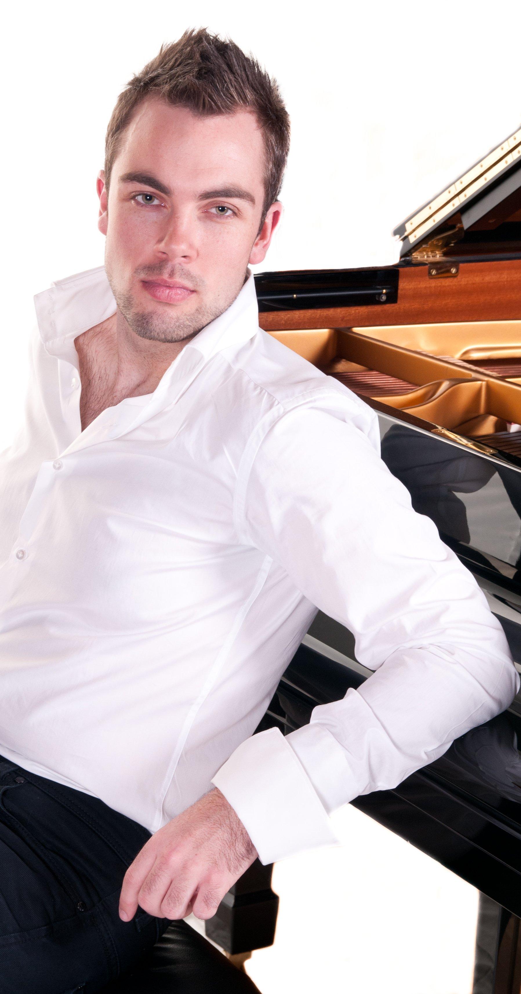 One-handed pianist Nicholas McCarthy