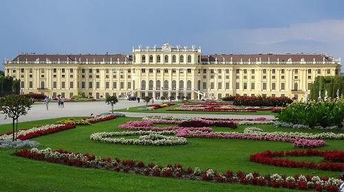 Schonbrunn Palace accessibility Vienna
