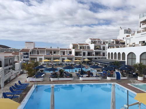 Disabled-friendly pool in Tenerife