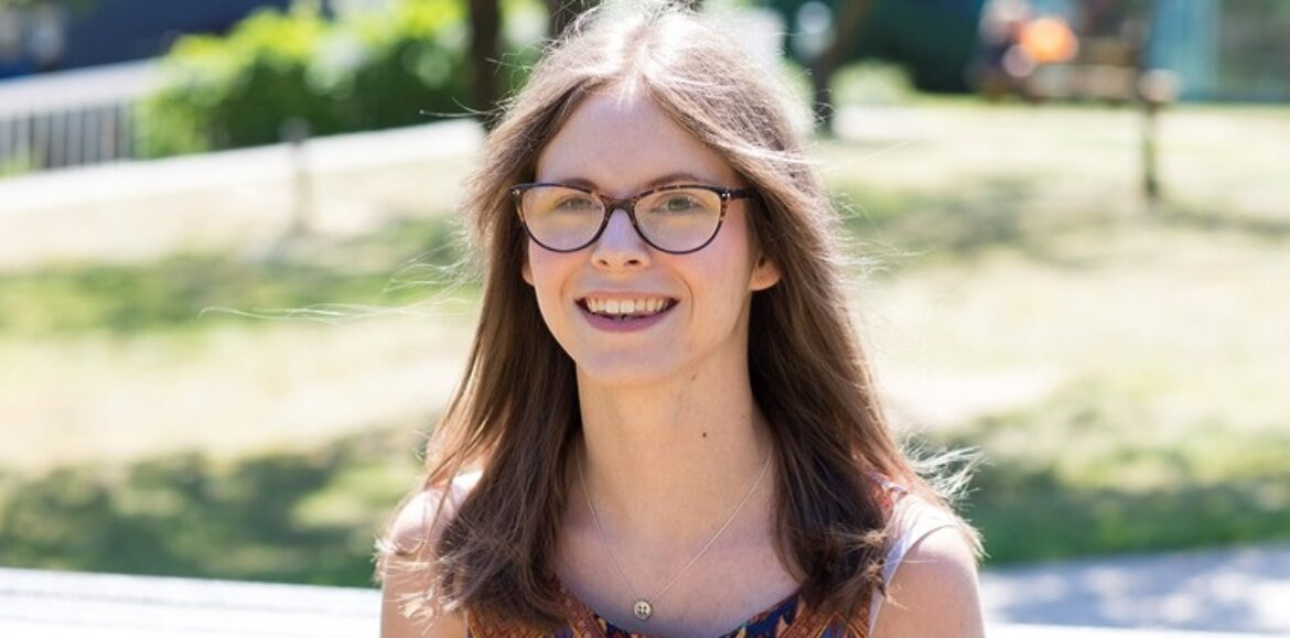 Tips for new disabled students from successful graduate Chloe Tear