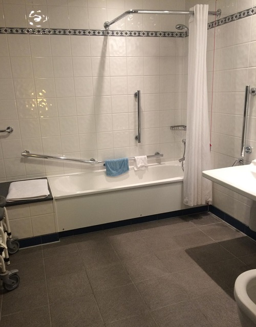 Holiday Inn Kensington Forums accessible bathroom