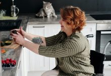 Photo of 8 kitchen aids for disabled people to prepare and enjoy meals with ease