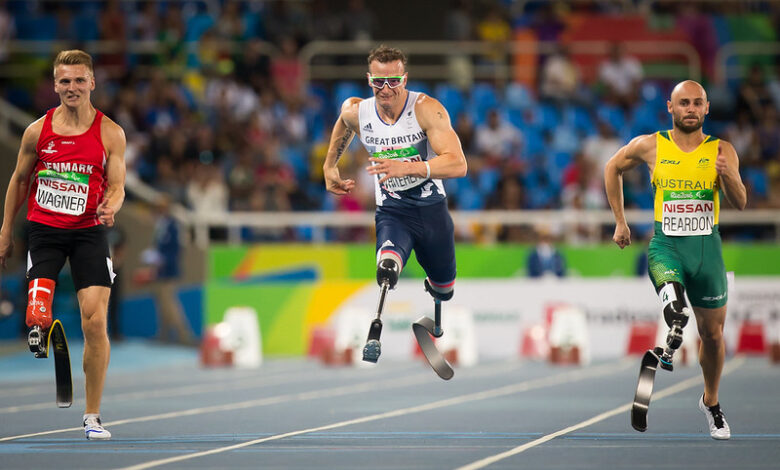 Richard Whitehead racing on the track - ParalympicsGB